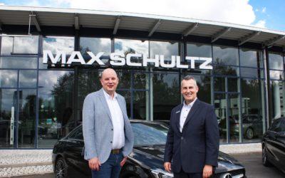 Max Schultz mit Verstärkung an der Spitze