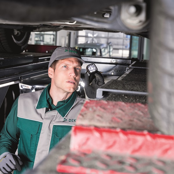 Max Schultz Automobile Service Hauptuntersuchung DEKRA Bremsen